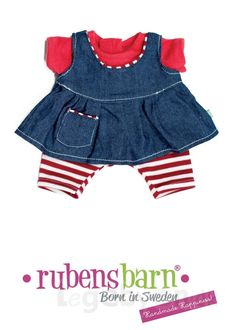adabcc38 Pigetøj til Rubens Kids dukken. Dette sæt indeholder en ternet kjole,  hagesmæk og trusser