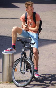 Wrangler Jeans, Young Men, School Uniform, Cute Boys, Shoes Sneakers, Bicycle, Socks, Guys, Life