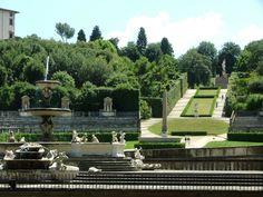 Boboli Gardens in Florence - Il Giardino di Boboli è un parco storico della città di Firenze. Nato come giardino granducale di palazzo Pitti, è connesso anche al Forte di Belvedere, avamposto militare per la sicurezza del sovrano e la sua famiglia.Cerca con Google