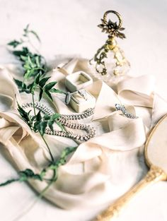 Romantic Outdoor Wedding with Muted Colors by Lissa Ryan Photography | Wedding Sparrow | fine art wedding blog