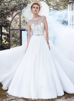 Maggie Sottero Ivory Lace Organza and Tulle Leandra Formal Wedding Dress Size 10 (M) Image 3 Designer Wedding Gowns, 2015 Wedding Dresses, Formal Dresses For Weddings, Wedding Dress Sizes, Perfect Wedding Dress, Formal Wedding, Bridal Dresses, Gown Wedding, Wedding 2017