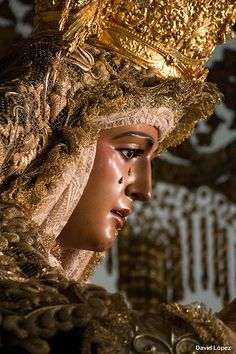 A statue of the Virgin Mary in Seville during Semana Santa Catholic Pictures, Our Lady Of Sorrows, Jesus Christ Images, Madonna, Holy Week, Blessed Mother, Religious Art, Mary, Beauty