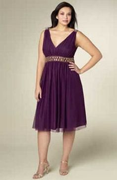 If you're looking for elegant plus size bridesmaid dresses, then JS Boutique, sold at Nordstrom might have something of interest. JS Boutique has desi Bridesmaid Dresses Plus Size, Wedding Bridesmaid Dresses, Dresses For Teens, Summer Dresses, Formal Dresses, Pretty Outfits, Pretty Dresses, Dress For Chubby, Moda Feminina Plus Size