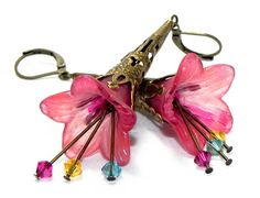 Lucite Trumpet Flower Earrings  Hand painted Victorian pink