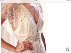 Buy wedding gown prom dresses,wedding boutique wedding couture,tropical bridesmaid dresses vintage wedding dresses for sale. Vestidos Vintage, Vintage Dresses, Estilo Gatsby, Vintage Weddingdress, Boho Wedding, Wedding Gowns, Trendy Wedding, Wedding Bridesmaids, Jazz Wedding