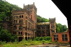 Abandoned buildings give off such a peculiar vibe. #Revolution