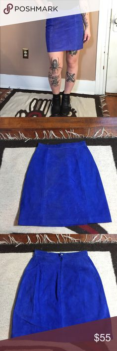 """90s vintage blue suede genuine leather skirt 🔹Vintage 90s genuine leather suede high waisted blue pencil skirt. Perfect for a 90s grunge look 🔹Only a minor thread snag on the back by the zipper. Does not affect function, barely noticeable 🔹Size 7/8 on tag but I recommend a size 4 wear this skirt (I'm a 6 and it's a very tight fit) 🔹Compare your own measurements with the following: 🔹Waist: 18"""" flat = 24"""" 🔹Length: 18.5"""" 🔹Smoke free home- I do however have cats, but I try my best to…"""