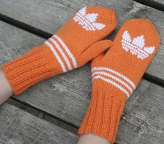 Adidaslapaset, Adidasmittens Mittens, Loom, Knitting Patterns, Knit Crochet, Diy And Crafts, Projects To Try, Gloves, Quilts, Sewing