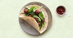 Mit Kichererbsen selbst gemachte Falafel, hier mit Bärlauch gewürzt, sind ein schmackhafter vegetarischer Genuss. Servieren mit Fladenbrot und Tahini-Joghurt. Omelettes, Tahini, Fatayer, Feta, Falafels, Valeur Nutritive, Nutrition, Galette, Tacos
