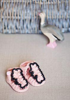 Ravelry: Ruffle Front Sandals pattern by Mon Petit Violon