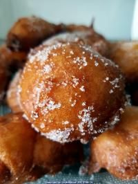 Quarkbällchen / Krapfen / Purzelchen Brownies, Buffalo Chicken Meatballs, Work Gifts, Pretzel Bites, Donuts, Cookie Recipes, Food And Drink, Low Carb, Keto