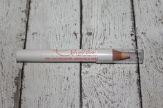 Chella  Ivory Lace highlighter