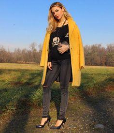 COOL STYLE #shopart #shopartmania #yellow #coat #adorage #style #fallwinter15 #nothingbetter