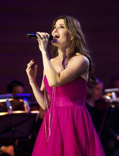 12 Idina Menzel Performances To Remember. God I love her!