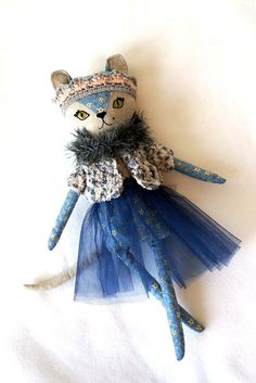 K u k l a M o o  Instagram @kukla.moo The kitty doll from mini Indigo collection. Joy for the child. The doll is one of a kind, only 1 available! The toy is made of cotton, filler - non-allergenic hollofayber, face - embroidery floss, height 17 inch. All clothing is removable. Can be hand washed in cool water.