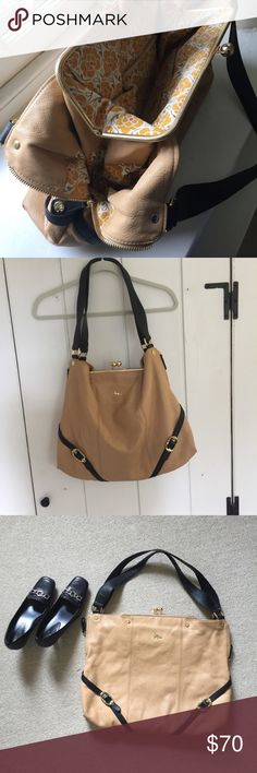 """Emma Fox dressage kiss lock satchel Gorgeous bag! Butter soft leather with super nice floral lining. Kiss-lock closure with nice pockets. Really good used condition; really small wear on the handles. 15"""" h x 18"""" w c 3"""" diameter with 12"""" handle drop. Emma Fox Bags Satchels"""