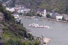 A riverboat cruises toward the Rhine River village of St. Goar. (photo credit: Dominic Bonuccelli)