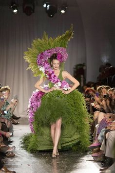The Museum of Contemporary Art was filled with the scent of fresh flowers June 12 for the fifth annual Fleurotica fashion show benefiting the Garfield Park Conservatory Alliance. The designs, made...