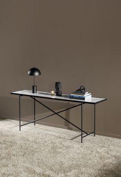 Black lamp on white table Design Scandinavian, Scandinavian Living, Danish Furniture, Furniture Design, Table Lamps, Dining Table, Marble Console Table, Studio Table, Lobby Interior