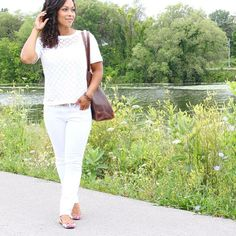 Finally found a fab pair of white jeans. #styldby #braveleather #gapfactory #gap #fashion""