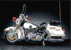 #NEW #HARLEY DAVIDSON #Classic #Police Motor 1/10 MA002 #ACADEMY MODEL KIT #15500  http://www.stylecolorful.com/new-harley-davidson-classic-police-motor-1-10-ma002-academy-model-kit-15500/