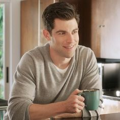 New Girl's Max Greenfield Tells Us How to Find the Perfect Place to Live: If you're in your 20s, chances are good that you're in the middle of or close to a big move, according to a new Trulia survey that found the average millennial will live in seven different places with five different roommates by the time she hits 30.