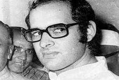 'तुनकमिजाज,सनकी और पक्षपाती थे #sanjaygandhi'  http://www.jagran.com/news/national-was-sanjay-gandhi-whimsical-temperamental-and-biased-14063864.html #IndiraGandhi #AshokPandey #whimsical #biased