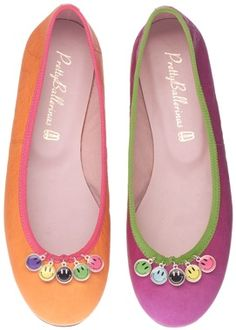 By Pretty Ballerinas Sock Shoes, Shoe Boots, Shoe Bag, Walk In My Shoes, Me Too Shoes, Ballerina Shoes, Ballet Flats, Happy Shoes, Pretty Ballerinas