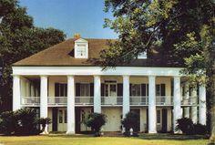 L'Hermitage, near Darrow, Louisiana.  Photo credit: Paul Malone