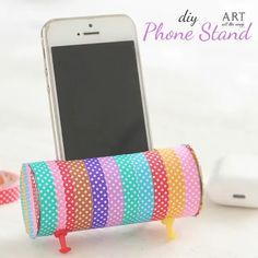 Phone stand is the great way to watch content on your smartphone. If you're bored with the ordinary Phone stands, find DIY phone stand and make your own one Diy Crafts For Teens, Diy Crafts Hacks, Diy Crafts For Gifts, Diy Home Crafts, Easy Diy Crafts, Cute Crafts, Diy For Kids, Cute Diys For Teens, Craft Ideas