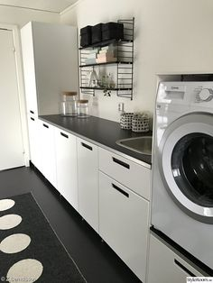 Pappelina - Lilly is Love Meme Design, Küchen Design, Interior Design Living Room, Living Room Designs, Modern Laundry Rooms, Laundry Closet, Laundry Room Design, Home Remodeling, Kitchen Remodel