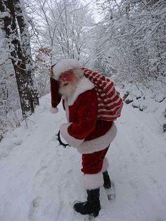 Santa going back to the sleigh Santa Real, Santa Claus Photos, Merry Christmas, Art, Merry Little Christmas, Art Background, Kunst, Wish You Merry Christmas, Performing Arts