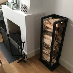Indoor firewood storage: more than 40 log rack ideas to store firewood in style! Indoor Firewood Rack, Firewood Storage, Firewood Holder, Small Fireplace, Fireplace Design, Steel Furniture, Home Decor Furniture, Log Home Interiors, Home And Living