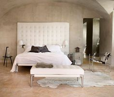 Cassina Volage Bed - by Philippe Starck....