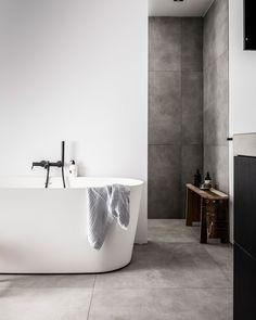 Onze badkamers - Home Decor Ideas - Haus Design Bathroom Spa, Chic Bathrooms, Family Bathroom, Bathroom Interior, Modern Bathroom, Small Bathroom, Master Bathroom, Master Master, Minimal Bathroom