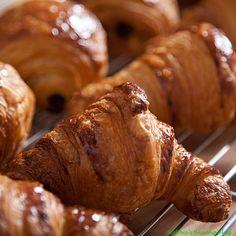 Ik eet graag croissantjes en neem deze ook vaak mee naar school :)