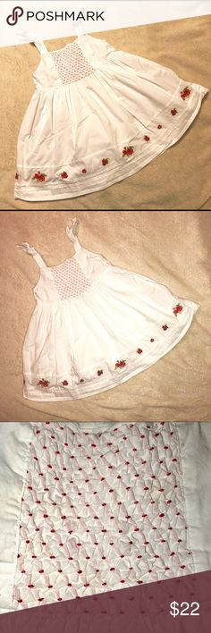 Janie & Jack Sundress - Size: 12-18 months Adorable white sundress with red & white flowers.  Size 12-18.  Perfect For Easter or another occasion.  Excellent used condition. No stains or holes. Smoke-free home. Janie and Jack Dresses