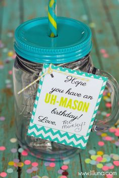 Gift Idea using mason jar cups from Walmart, Target, or Costco - With free printable tags. Change to summer for teacher gifts! Mason Jar Cups, Mason Jar Gifts, Coworker Birthday Gifts, Birthday Gifts For Women, Birthday Presents, Husband Birthday, Homemade Gifts, Diy Gifts, Inexpensive Birthday Gifts