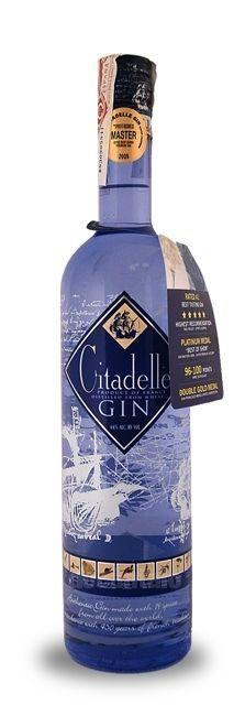 Citadelle Gin . Gin France at Decantalo https://www.pinterest.com/pin/289426713537112668/sent/?sender=356910476627681698&invite_code=0dff356b396863b1e0402843b7384011