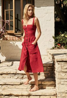 30 Boho Linen Dresses for Effortless Summer Look Linen summer dresses are perfect staples for warm weather. Check out the amazing examples of flowy boho dresses outfits and be prepared for the warm season. Simple Dresses, Casual Dresses, Awesome Dresses, Simple Dress Casual, Casual Outfits, Red Sundress, Dress Outfits, Cute Outfits, Boho Fashion
