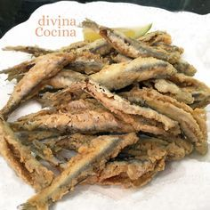 Estos boquerones en adobo fritos son unos de los grandes clásicos del tapeo del sur. Aquí os dejamos la receta tradicional.