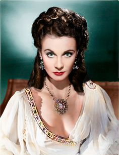 Vivien Leigh in That Hamilton Woman wearing Joseff Hollywood Jewelry Hollywood Stars, Old Hollywood Glamour, Golden Age Of Hollywood, Vintage Hollywood, Classic Hollywood, Vivien Leigh, British Actresses, Hollywood Actresses, Most Beautiful Women