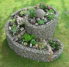 Herb Spiral Garden Design Ideas 170 – Home and Apartment Ideas Herb Spiral, Spiral Garden, Mini Fairy Garden, Gnome Garden, Garden Fun, Herb Garden Design, Fairy Furniture, Miniature Fairy Gardens, Garden Styles