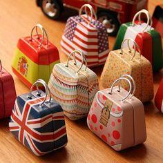 Mini-Handbag-Iron-Box