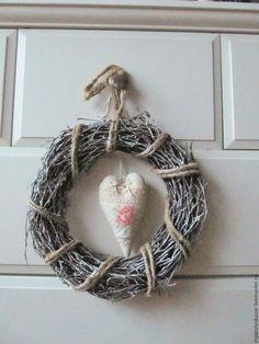 Купить Венок декоративный из веток - венок на дверь, декоративный венок, венок из шишек, белый