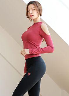 Korean Women`s Fashion Shopping Mall, Styleonme. Pretty Asian Girl, Beautiful Japanese Girl, Cute Asian Girls, Beautiful Asian Women, Hot Girls, Korean Women, Korean Girl, Poses Modelo, Girls In Leggings
