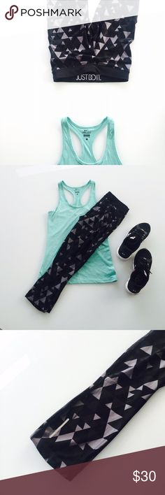 """Nike dry fit leggings Love the fit and pattern of these leggings, I just have SO many! These are so great though. Barely worn and falls mid-calf on me (at 5' 2""""). Cute waistband with Nike motto too! Nike Pants Leggings"""