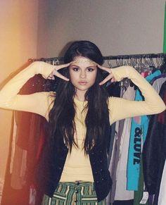 SELENA Alex Russo, Tyga And Kylie, Selena Gomez Photoshoot, Selena Gomez Pictures, Marie Gomez, Beauty Queens, Pretty People, My Idol, Boho Fashion