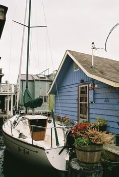 Oh to be in a little seaside town, completely anonymous, and able to escape on the boat anytime I wanted.