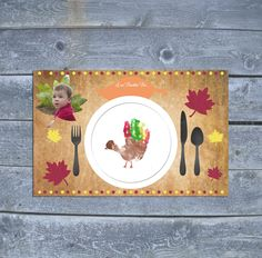 The kids will not be bored with these fun and easy Thanksgiving crafts for toddlers. 20 easy Thanksgiving crafts for kids they will love. Thanksgiving Crafts For Toddlers, Thanksgiving Placemats, Thanksgiving Art, Thanksgiving Crafts For Kids, Thanksgiving Decorations, Holiday Crafts, Fall Crafts For Toddlers, Autumn Crafts For Kids, Thanksgiving Bulletin Boards
